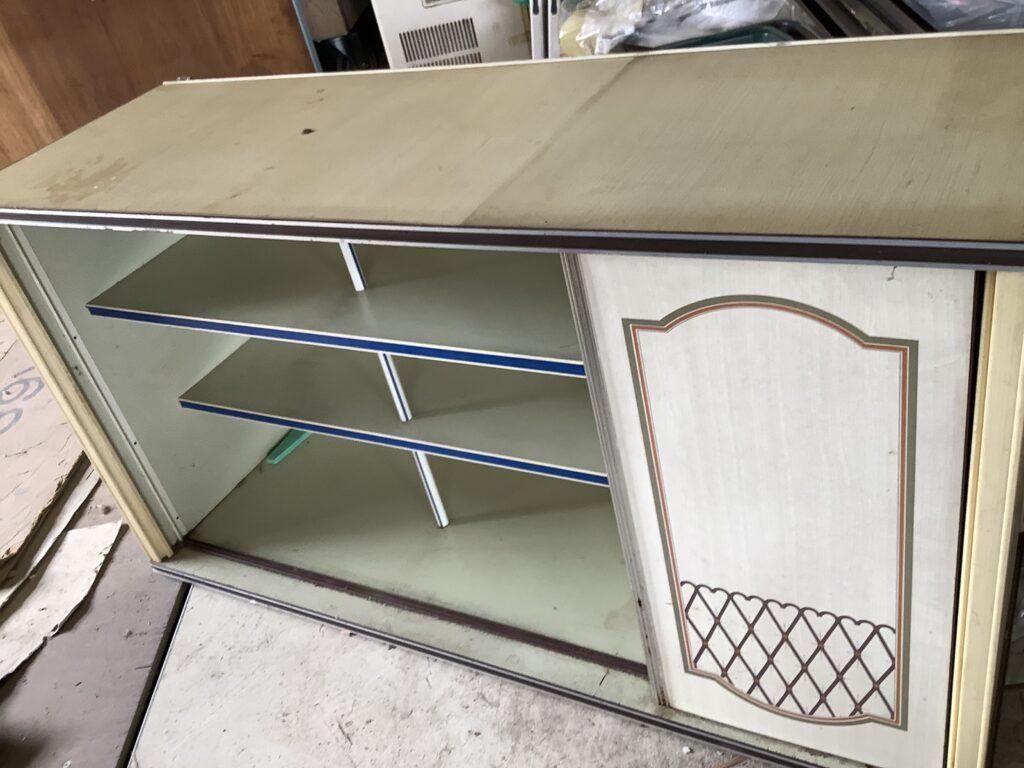 岡山市内で回収した食器棚