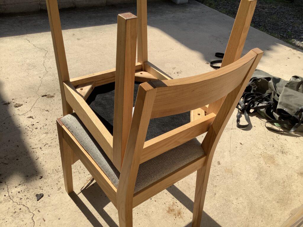 岡山市中島で回収した椅子