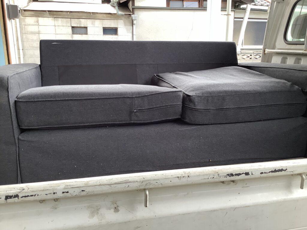 岡山市津高で回収したソファー