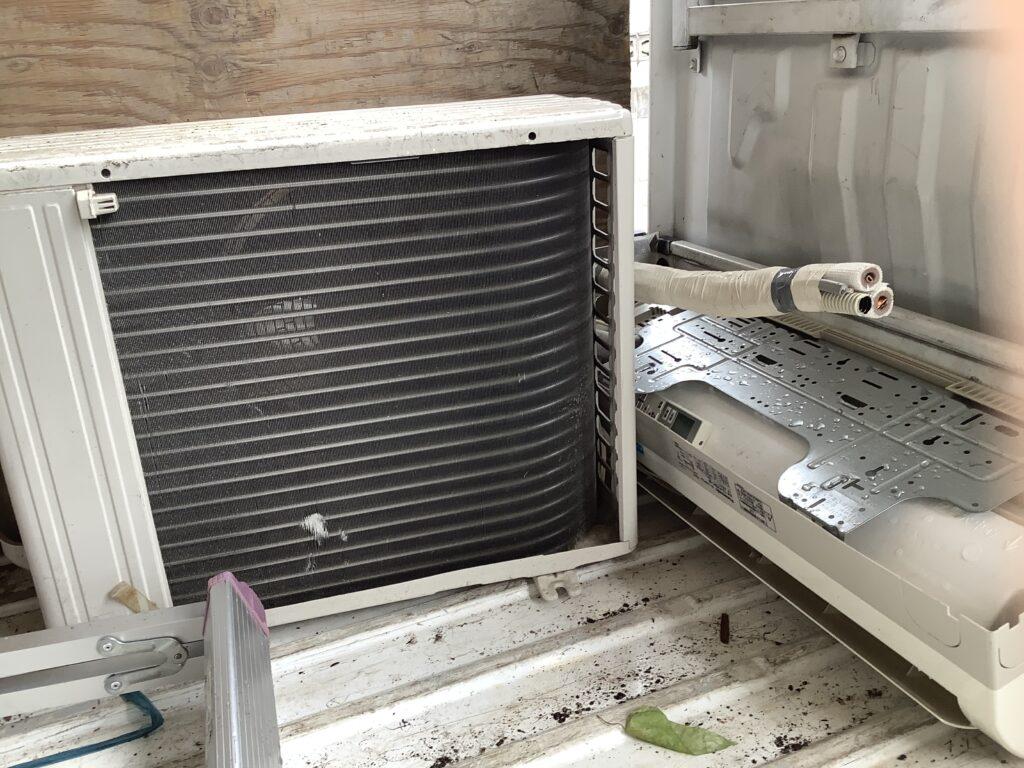 岡山市玉柏で回収したエアコン