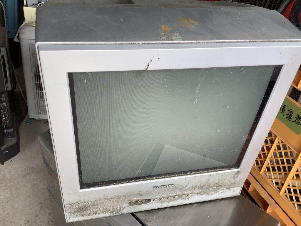 岡山市福富で回収したブラウン管テレビ