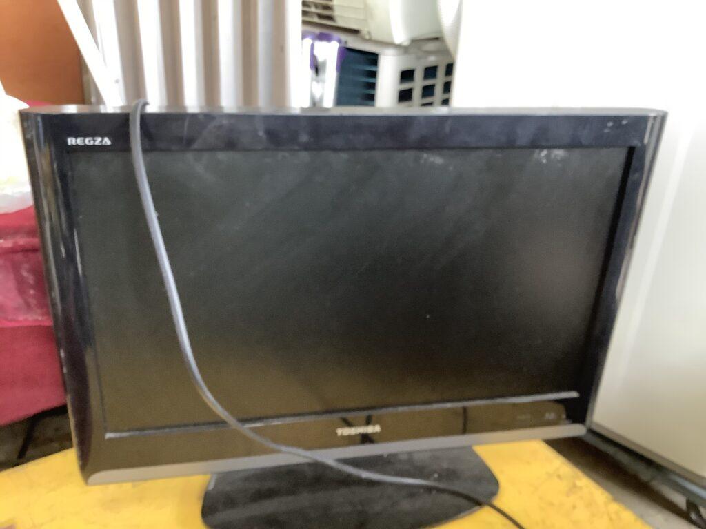 岡山市北長瀬本町で回収した液晶テレビ