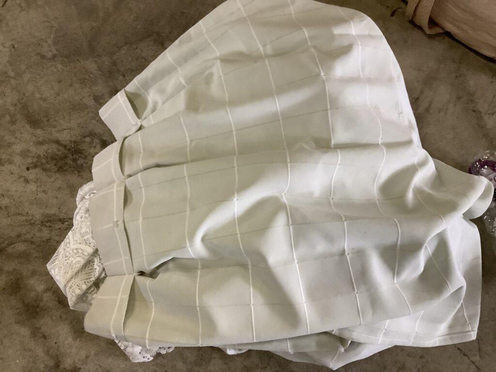 岡山市庭瀬で回収したカーテン
