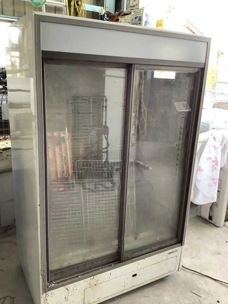 岡山市北区北長瀬で回収した業務用冷蔵庫