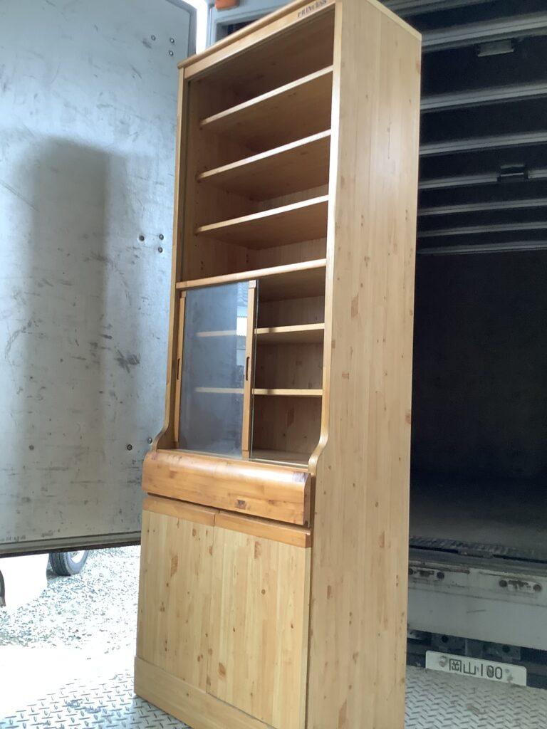 岡山市北区今で回収した食器棚