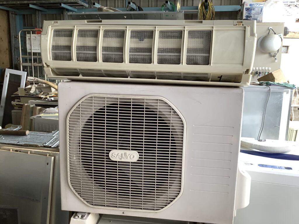 岡山市中区西川原で回収したエアコン