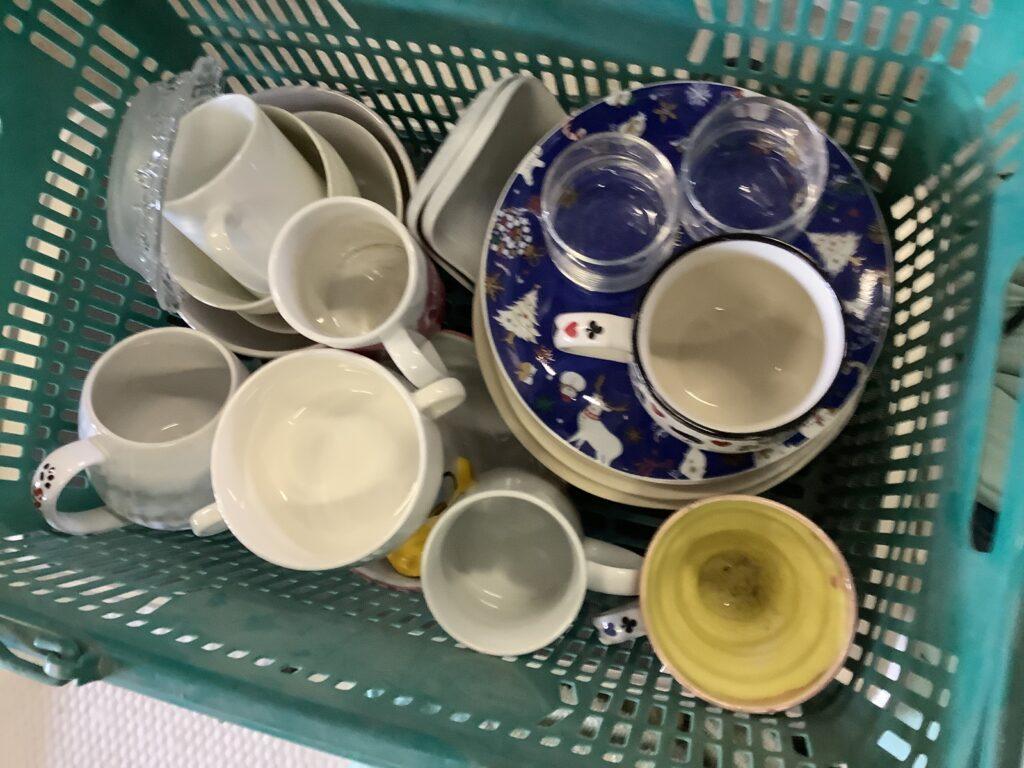 岡山市北区東古松で回収した食器