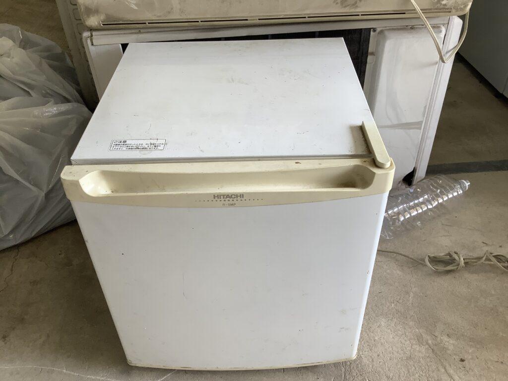 岡山市中区雄町で回収した小型冷蔵庫