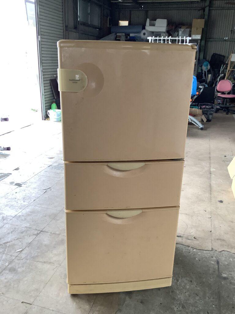 岡山市東区瀬戸町で回収した冷蔵庫