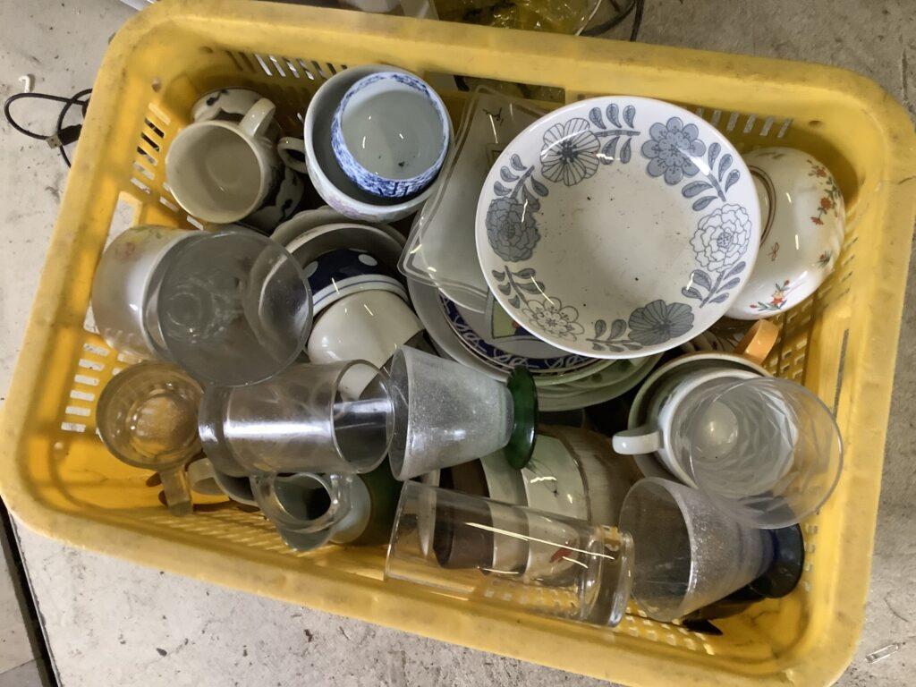 岡山市中区高島で回収した食器