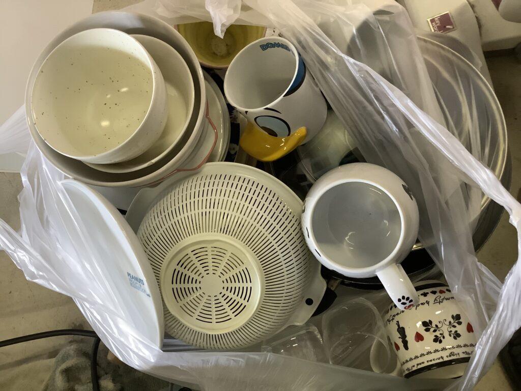 岡山市北区一宮で回収した食器