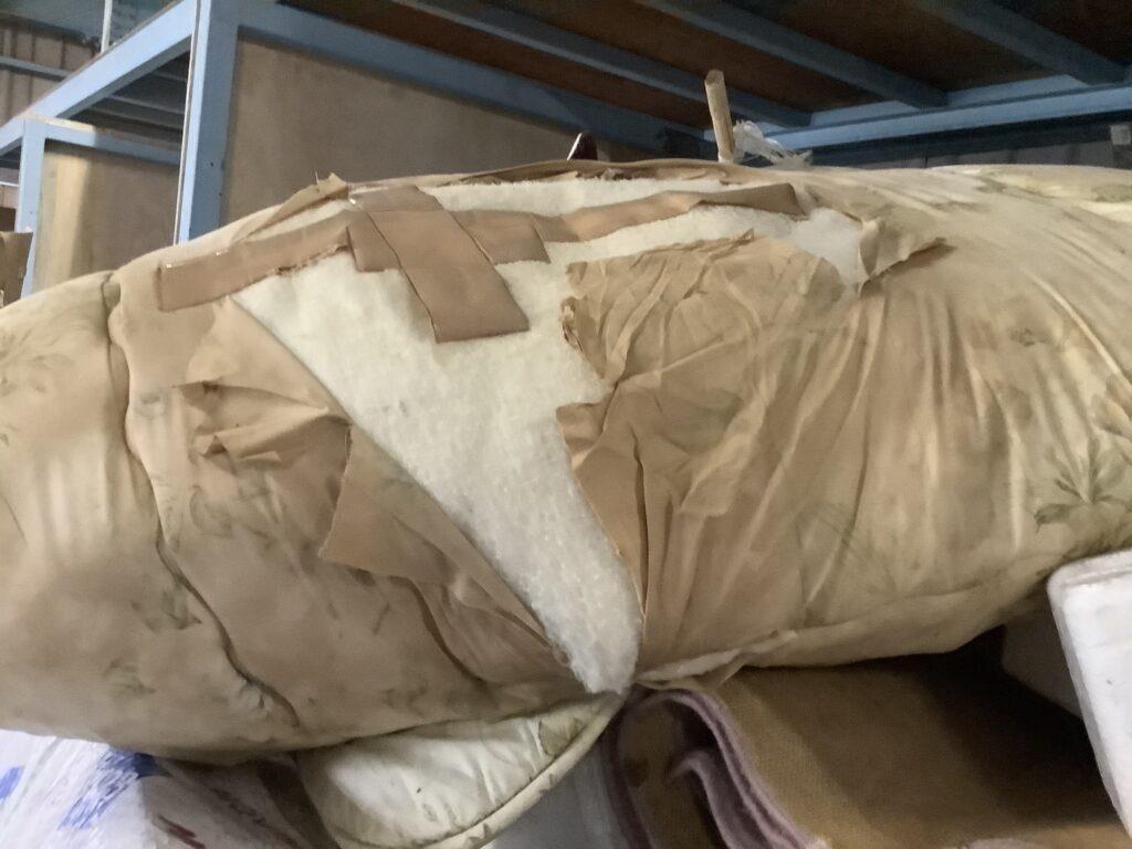 岡山市北区中仙道で回収した布団