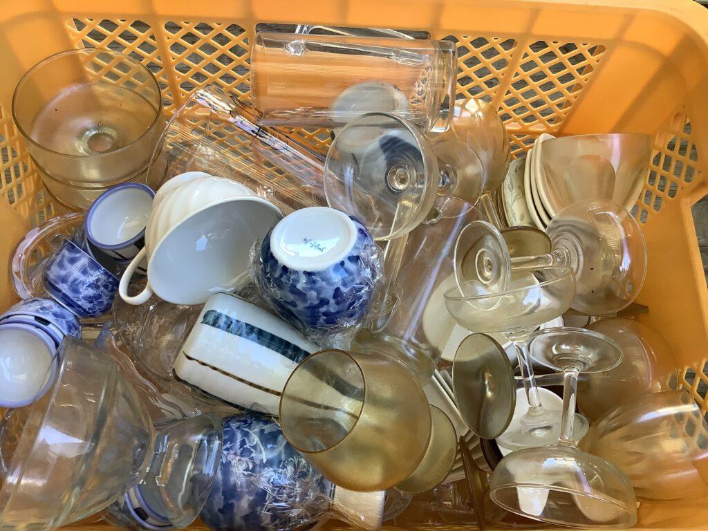 岡山市北区柳町で回収した食器
