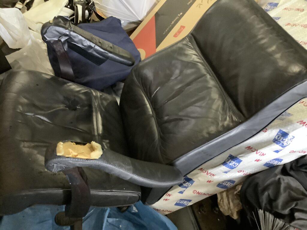 岡山市南区福富で回収した椅子
