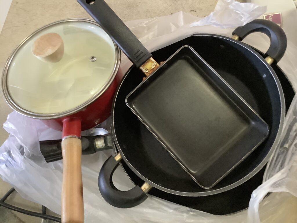 岡山市北区一宮で回収した鍋類