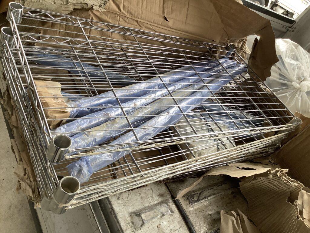岡山市北区東古松で回収したスチール棚