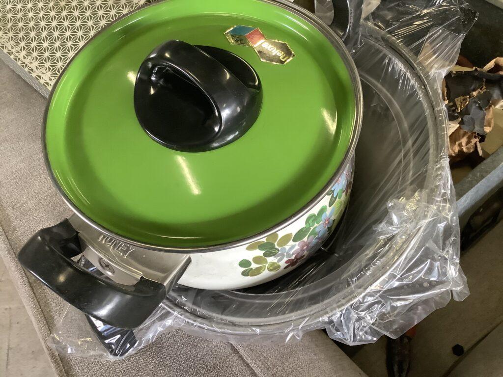 岡山市北区東古松で回収した鍋