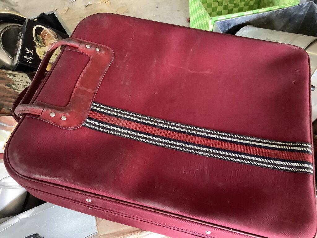 岡山市北区伊島町で回収したスーツケース