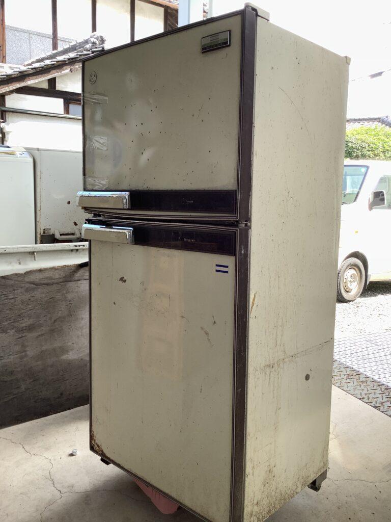 岡山市南区新保で回収した冷蔵庫