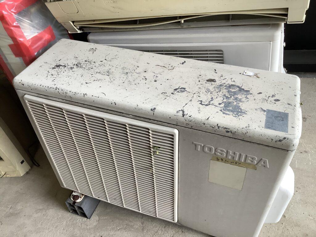 岡山市東区瀬戸町で回収したエアコン二台