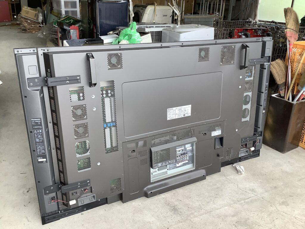 岡山市中区高島で回収した大型液晶テレビ