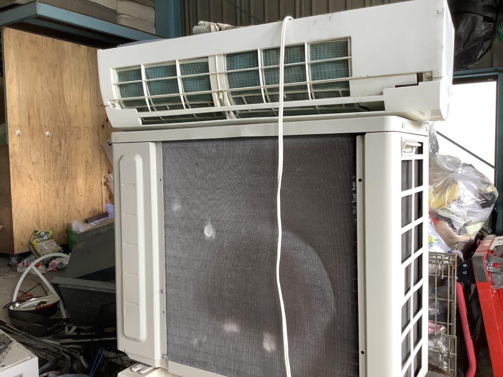 岡山市北区伊島町で回収したエアコン