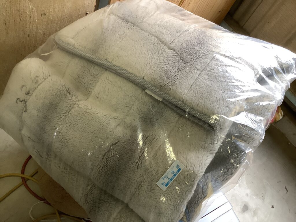 岡山市北区下石井で回収した毛布