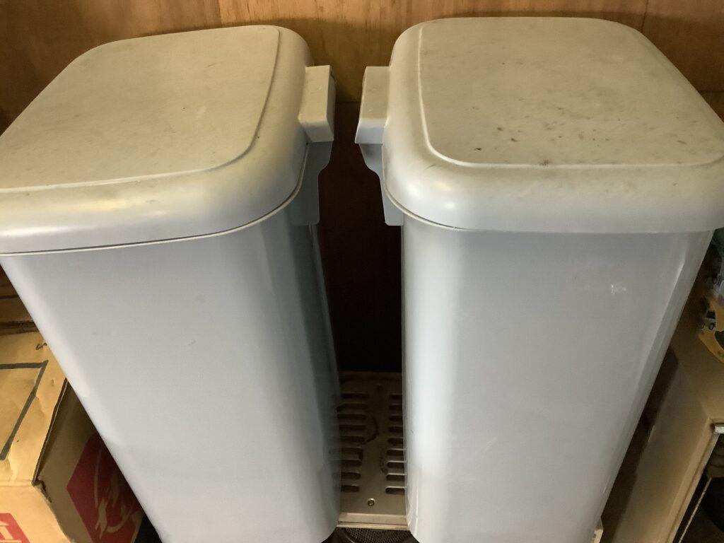 岡山市北区伊島町で回収したゴミ箱