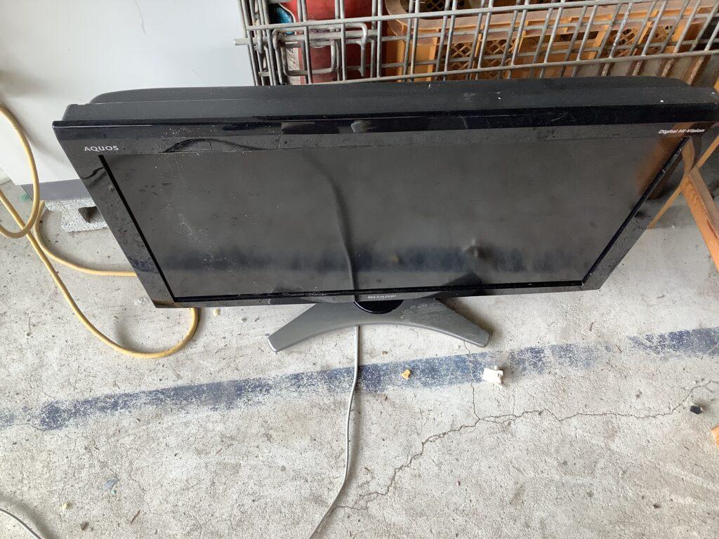 岡山市東区瀬戸町で回収した液晶テレビ
