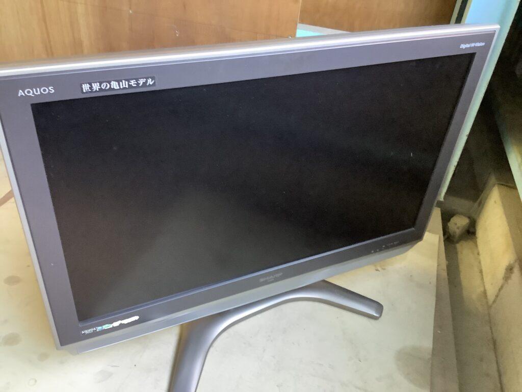 岡山市北区下石井で回収した液晶テレビ