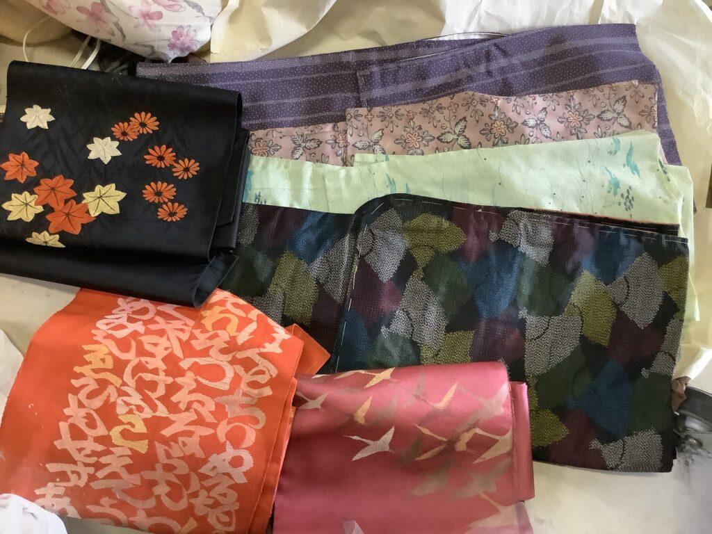 岡山市北区庭瀬で回収した着物と帯