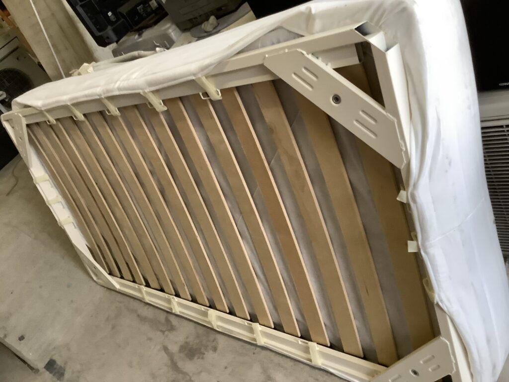岡山市北区野田屋町で回収したベッド
